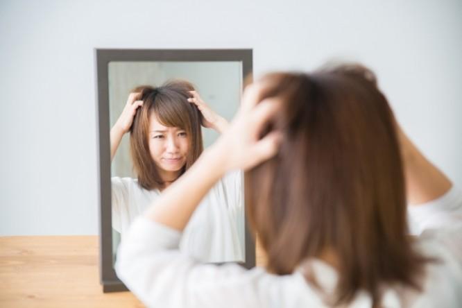 髪で印象が変わる!女性の薄毛の原因は?/美容室ブロッサム